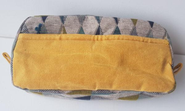 Kosmetiktasche_gelb zweifarbig gemustert_Außentasche