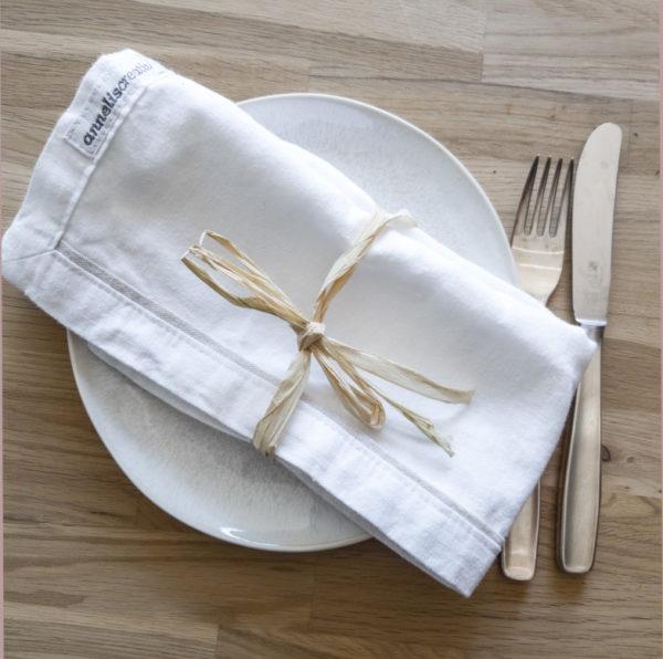 serviette weiß titel